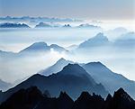 Schweiz, Kanton Appenzell Innerrhoden, Appenzellerland: Blick vom Saentis in die Schweizer Alpen | Switzerland, Canton Appenzell Innerrhoden, Appenzellerland: view from summit Saentis into Swiss Alps