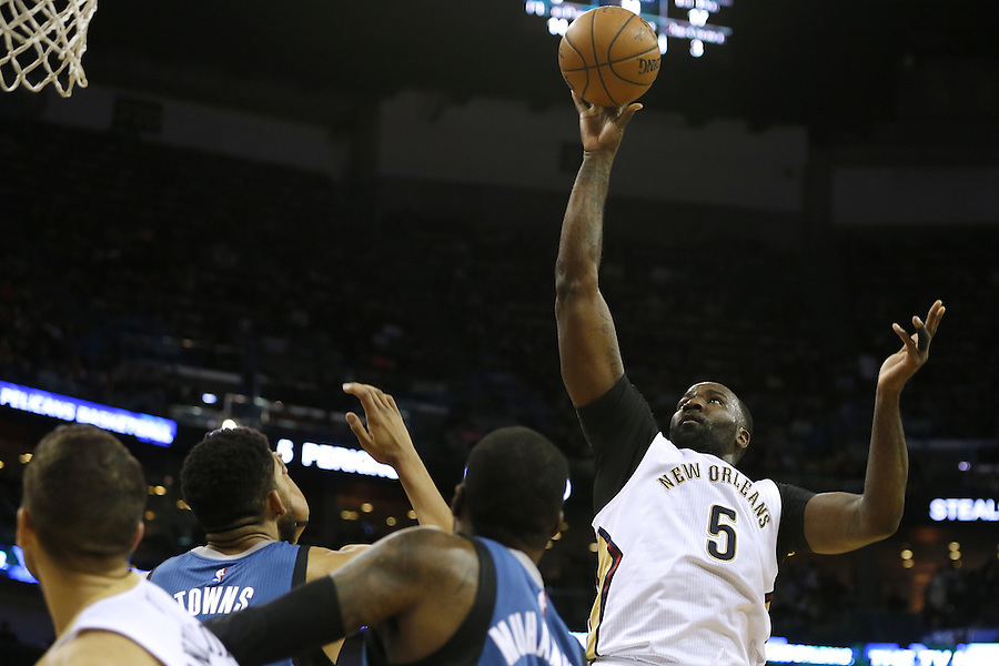 New Orleans Pelicans center Kendrick Perkins (5) shoots the ball during the first half of an NBA basketball game against the Minnesota Timberwolves Saturday, Feb. 27, 2016, in New Orleans. (AP Photo/Jonathan Bachman)