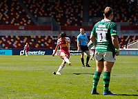 24th April 2021; Brentford Community Stadium, London, England; Gallagher Premiership Rugby, London Irish versus Harlequins; Marcus Smith of Harlequins scores with a conversion kick