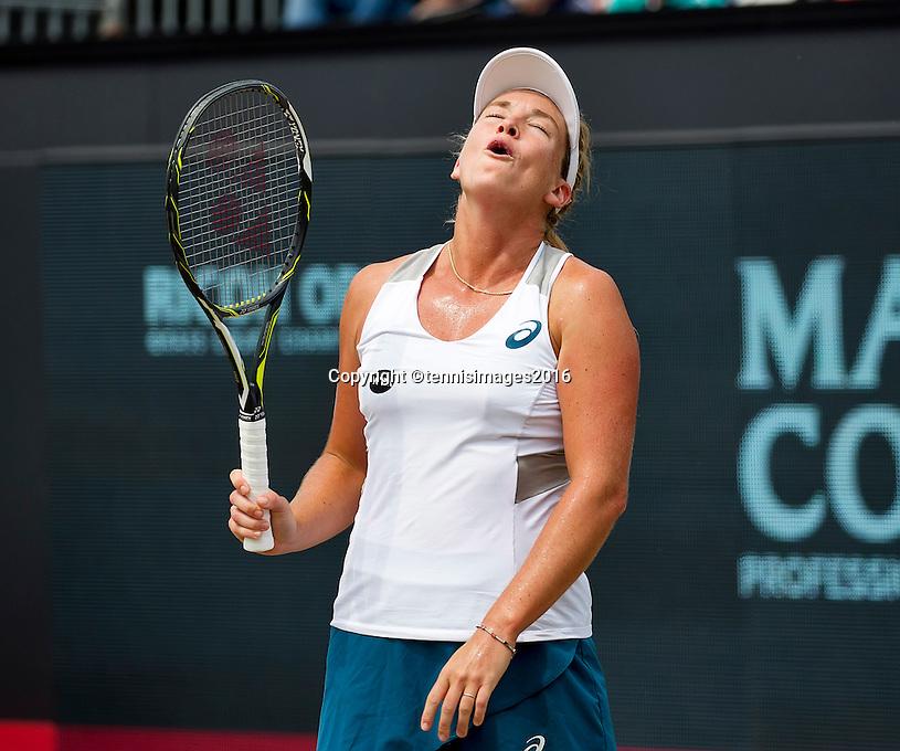Den Bosch, Netherlands, 10 June, 2016, Tennis, Ricoh Open, Coco Vandeweghe (USA) reacts<br /> Photo: Henk Koster/tennisimages.com