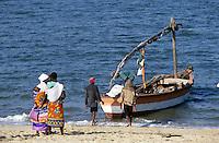 - boat of fishermen on the beach of Beira....- barca di pescatori sulla spiaggia di Beira
