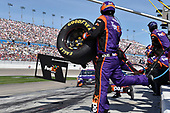 2017 Monster Energy NASCAR Cup Series - Kobalt 400<br /> Las Vegas Motor Speedway - Las Vegas, NV USA<br /> Sunday 12 March 2017<br /> Denny Hamlin, FedEx Office Toyota Camry pit stop<br /> World Copyright: Nigel Kinrade/LAT Images<br /> ref: Digital Image 17LAS1nk07264