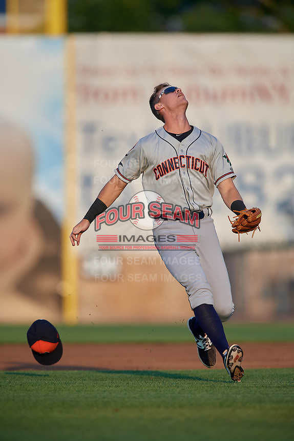 Connecticut Tigers second baseman Cameron Warner (31) gets under a pop up during a game against the Auburn Doubledays on August 10, 2017 at Falcon Park in Auburn, New York.  Connecticut defeated Auburn 4-1.  (Mike Janes/Four Seam Images)