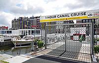 Nederland - Amsterdam-  2020. Rustig op het Damrak. Rederijen zijn gesloten.    Foto Berlinda van Dam / ANP / Hollandse Hoogte