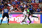 Chelsea Defender Antonio Rudiger (C) fights for the ball with FC Internazionale midfielder Geoffrey Kondogbia (R) during the International Champions Cup 2017 match between FC Internazionale and Chelsea FC on July 29, 2017 in Singapore. Photo by Weixiang Lim / Power Sport Images