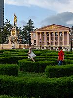 Neptunbrunnen und Theater, Batumi, Adscharien - Atschara, Georgien, Europa<br /> Neptune Fountain and theatre,  Batumi, Adjara,  Georgia, Europe