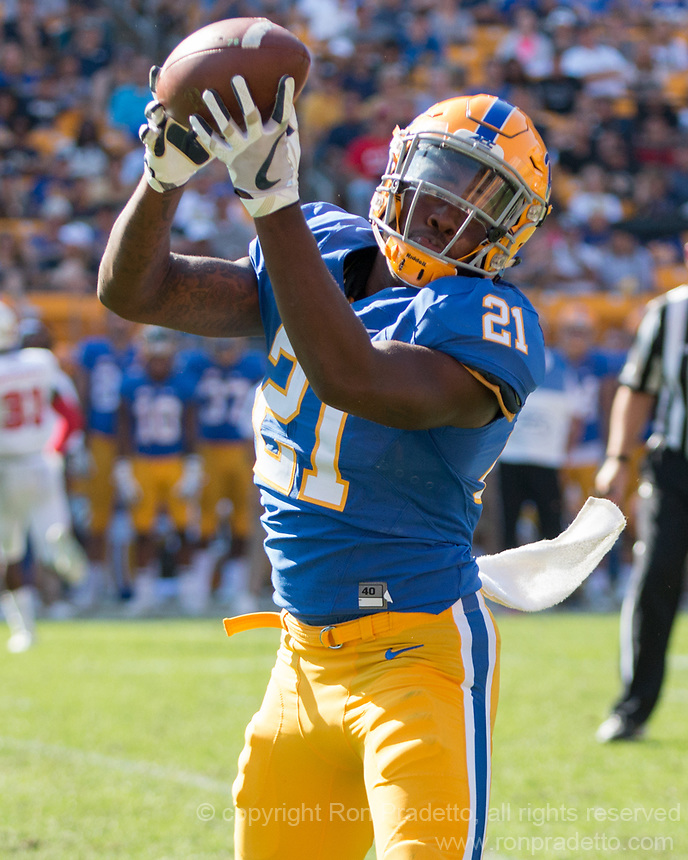 Pitt running back AJ Davis. The North Carolina Wolfpack defeated the Pitt Panthers 35-17 at Heinz Field, Pittsburgh, PA on October 14, 2017.