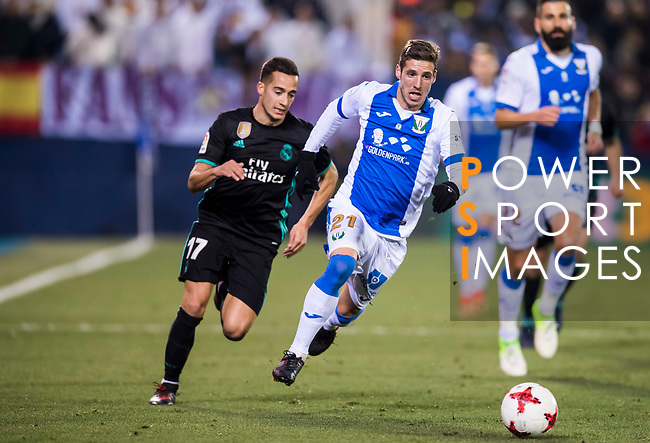 Ruben Salvador Perez del Marmol (R) of CD Leganes competes for the ball with Lucas Vazquez of Real Madrid during the Copa del Rey 2017-18 match between CD Leganes and Real Madrid at Estadio Municipal Butarque on 18 January 2018 in Leganes, Spain. Photo by Diego Gonzalez / Power Sport Images