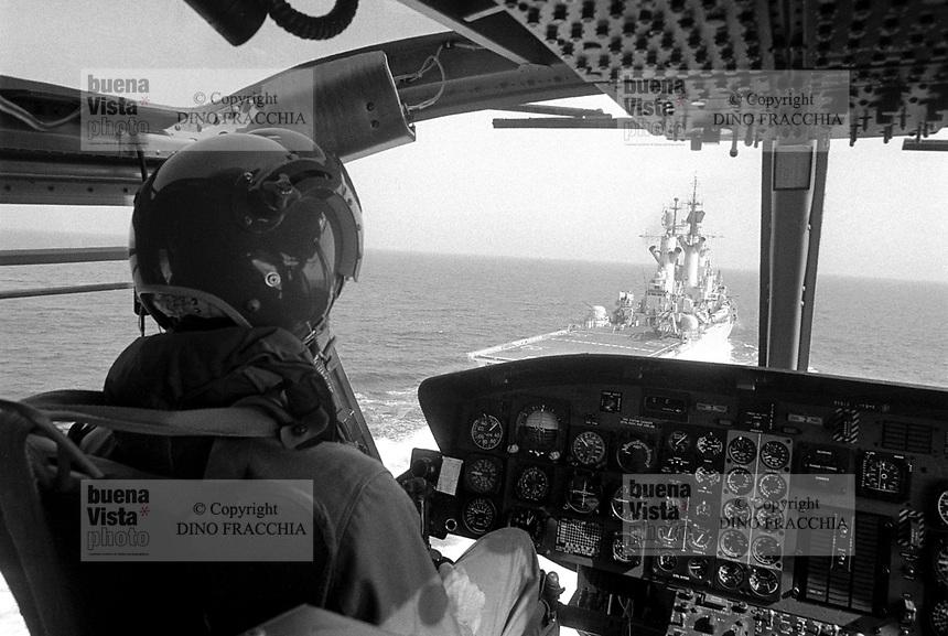 - Italian Navy, Vittorio Veneto cruiser, AB 212 helicopter deck landing (May 1984)<br /> <br /> - Marina Militare Italiana, incrociatore Vittorio Veneto, appontaggio di un elicottero AB 212 (Maggio 1984)