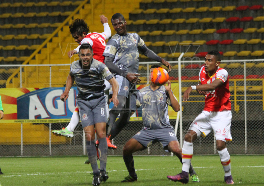 BOGOTA -COLOMBIA, 1-03-2017.Action game between  Tigres FC  and Santa Fe during match for the date 7 of the Aguila League I 2017 played at Metropolitano de Techo stadium . Photo:VizzorImage / Felipe Caicedo  / Staff