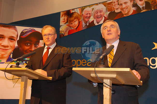 Left Mr. Goran Persson Prime Minister of Sweeden speaking at a press conference with Irish Prime Minister Bertie Ahern at goverment Buildings Dublin Ireland. During The Sweedish Prime Minister's two hour stay in Ireland..22th January 2004.Photo AFP/Newsfile/Fran Caffrey..This Picture has been sent to you by Newsfile Ltd..The Studio,.Millmount Abbey,.Drogheda,.Co. Meath,.Ireland..Tel: +353(0)41-9871240.Fax: +353(0)41-9871260.ISDN: +353(0)41-9871010.www.newsfile.ie..general email: pictures@newsfile.ie