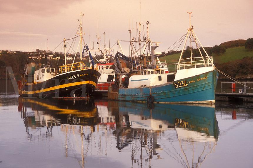 AJ0973, Europe, Republic of Ireland, Ireland, Kinsale, Fishing boats docked in Kinsale Harbor in County Cork.
