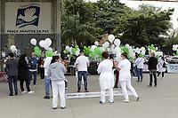 Campinas (SP), 15/05/2021 - Ato Enfermagem - Para conscientizar a sociedade sobre esse cenario e conquistar apoio a essa agenda de reivindicacoes, o Coren-SP, juntamente com a ABEn, Faculdade de Enfermagem da Unicamp, Sindicato dos Trabalhadores do Servico Municipal de Campinas, Sinsaude, Conselho Municipal de Saude de Campinas, STU e Associacao dos Docentes da Unicamp realizaram um ato neste sabado (15), na Praca Arautos da Paz, em Campinas (SP), em meio a programacao da Semana da Enfermagem 2021. Na pauta, estao a aprovacao de um piso salarial nacional, jornada de 30 horas semanais, defesa do SUS e mais respeito a enfermagem. (Foto: Denny Cesare/Codigo 19/Codigo 19)