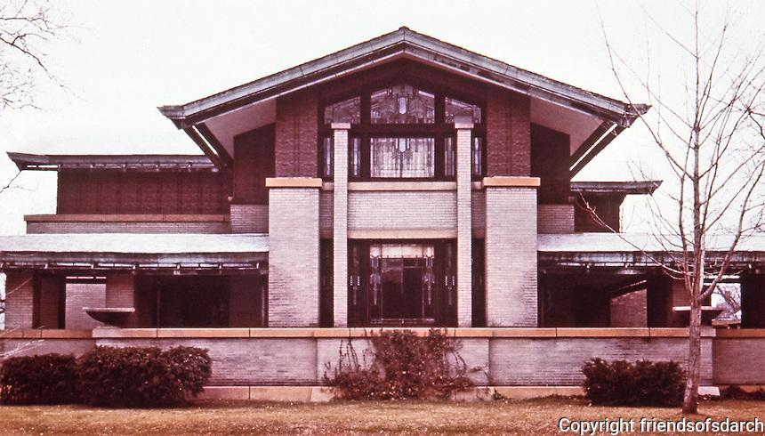 Frank Lloyd Wright:  Dana House, (or Dana-Thomas House) Springfield IL., 1902-1904. Prairie style. A showcase to entertain. Japanese influence.NRHP 1974.(Photo Feb. 1988.)