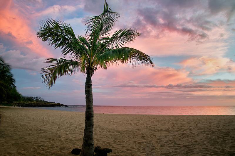 Beach and sunset at Hulopoe Beach. Four Seasons at Manele Bay, Hawaii