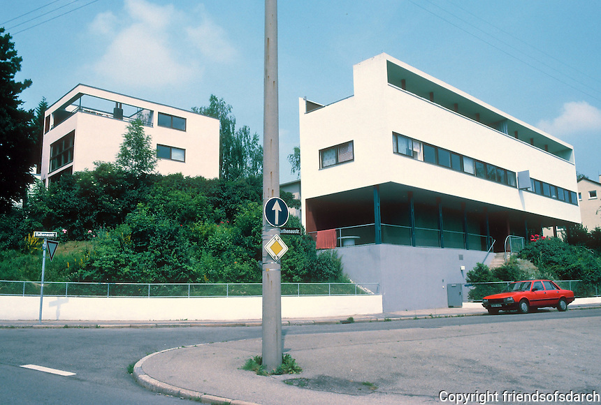 Stuttgart: Weissenhofsiedlung. Single house, left; duplex, right. Le Corbusier & Pierre Jeanneret.