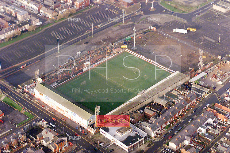 07/12/2000  Blackpool FC's Bloomfield Road Ground west stand demolition