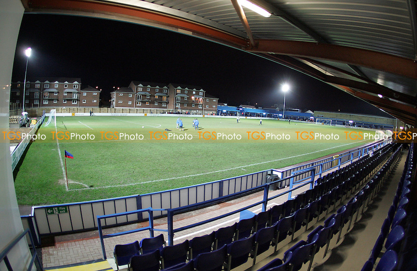 General view from the main stand - Grays Athletic Football Club - 18/01/05 - MANDATORY CREDIT: Gavin Ellis/TGSPHOTO. Self-Billing applies where appropriate. NO UNPAID USE. Tel: 0845 094 6026
