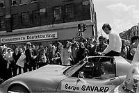Serge Savard,<br /> Defile de la Coupe Stanley, sur la rue Ste-Catherine, Mai 1973,<br /> suite a la victoire contre les  Black Hawks de Chicago, le 10 mai.<br /> Date exacte inconnue.<br /> <br /> <br /> PHOTO  : Agence Quebec Presse - Alain Renaud