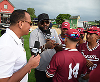 DYERSVILLE, IOWA - AUGUST 11: Fox Sports announcers Alex Rodriguez and David Ortiz meet the Harlem DREAM youth baseball team before the game at the MLB Field of Dreams on August 11, 2021 in Dyersville, Iowa. The MLB Field of Dreams game between the Yankees and White Socks will be on August 12 on Fox. (Photo by Frank Micelotta/Fox Sports/PictureGroup)