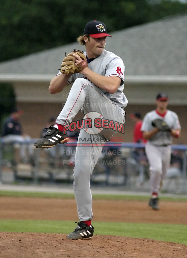 August 7, 2004:  Pitcher Barry Hertzler of the Lowell Spinners, Single-A NY-Penn League affiliate of the Boston Red Sox, during a game at Dwyer Stadium in Batavia, NY.  Photo by:  Mike Janes/Four Seam Images