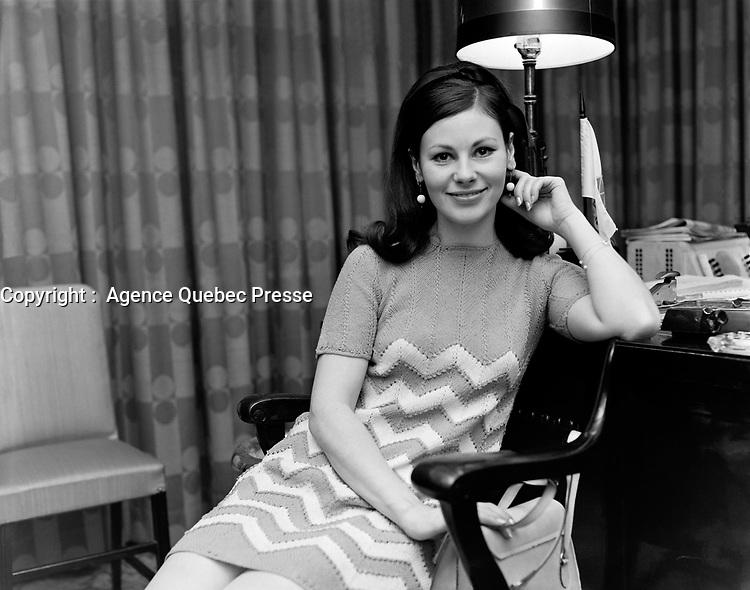 ARCHIVE -<br /> <br /> La comedienne Elisabeth Lesieur<br /> ,12 mai 1967<br /> <br /> PHOTO :  Agence Quebec Presse -  Photo Moderne
