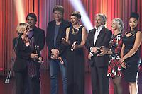 l'equipe de 19-2 au 30 ieme gala des Gemeaux <br /> 30,septembre 2015 a la Place-des-arts.<br /> <br /> Photo : Pierre Roussel - Agence Quebec Presse