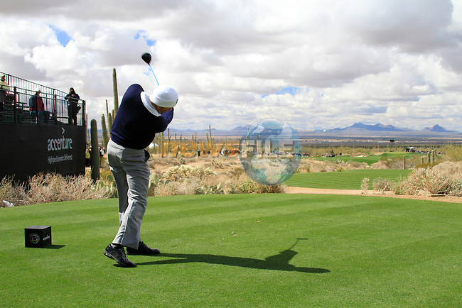 Matt Kuchar (USA) tees off on the 1st tee to start the Finals Day 5 of the Accenture Match Play Championship from The Ritz-Carlton Golf Club, Dove Mountain, Sunday 27th February 2011. (Photo Eoin Clarke/golffile.ie)