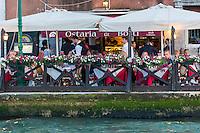 Italie, Vénétie, Venise:   Terrasse de l' Ostaria Ae Botti sur la Giudecca   // Italy, Veneto, Venice: