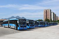Rio de Janeiro (RJ), 02/04/2020 - Covid-19-Rio - Para prevencao ao coronavirus (Covid-19) frota de onibus (BRT) do transporte publico foram reduzido e assim os veiculos lotam o terminal Alvorada na Bara da Tijuca na zona oeste do Rio de Janeiro, nesta quinta-feira (02) (Foto: Alexandre Durao/Codigo 19/Codigo 19)