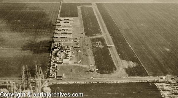 historical aerial photograph of Petaluma Sky Ranch airport, Petaluma, Sonoma County, California, 1960