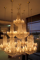 AJ0966, Europe, Crystal, Republic of Ireland, Ireland, Waterford, The South, Beautiful crystal chandelier displayed inside the Waterford Crystal Factory in County Waterford.