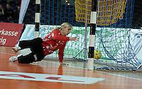 """1. Bundesliga Handball Damen - Frauen Handball BL DHB - Arena Leipzig - HC Leipzig : TSV Bayer 04 Leverkusen """"Handballelfen"""" - im Bild: HCL Torfrau Katja Schuelke . Foto: Norman Rembarz..Norman Rembarz , Autorennummer 41043728 , Augustenstrt. 2, 04317 Leipzig, Tel.: 01794887569, Hypovereinsbank: BLZ: 86020086, KN: 357889472, St.Nr.: 231/261/06432 - Jegliche kommerzielle Nutzung ist honorar- und mehrwertsteuerpflichtig! Persönlichkeitsrechte sind zu wahren. Es wird keine Haftung übernommen bei Verletzung von Rechten Dritter. Autoren-Nennung gem. §13 UrhGes. wird verlangt. Weitergabe an Dritte nur nach  vorheriger Absprache.."""