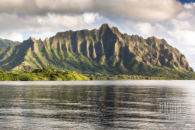 The Ko'olau Mountain Range along Kane'ohe Bay, Waiahole Beach Park, O'ahu.