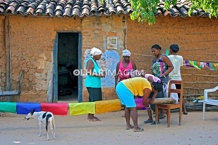 Enfeite de mastro na Festa Marujada no Quilombo Mangal e Barro Vermelho, municipio Sitio do Mato. Bahia. 2015. Foto de Lineu Kohatsu.