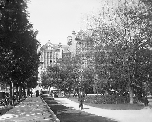0405-D02 Auditorium from Central Park, Los Angeles, F. H. Maude photo. Frederic Hamer Maude (1858-1959) was a commercial photographer active in Los Angeles from about 1890-1920.