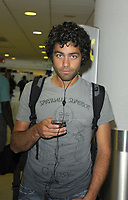 MIAMI - JULY 22: Actor Adrian Grenier (Entourage)  arrives at Miami International Airport on July 22, 2009 in Miami, Florida.<br /> <br /> People:  Adrian Grenier