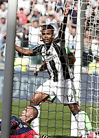 Calcio, Serie A: Juventus vs Crotone. Torino, Juventus Stadium, 21 maggio 2017.<br /> Juventus' Alex Sandro celebrates after scoring during the Italian Serie A football match between Juventus and Crotone at Turin's Juventus Stadium, 21 May 2017. Juventus defeated Crotone 3-0 to win the sixth consecutive Scudetto.<br /> UPDATE IMAGES PRESS/Isabella Bonotto