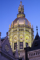 AJ1313, Hartford, State Capitol, State House, Connecticut, The State Capitol of Hartford, Connecticut looking up at the gold-leaf dome in the evening.