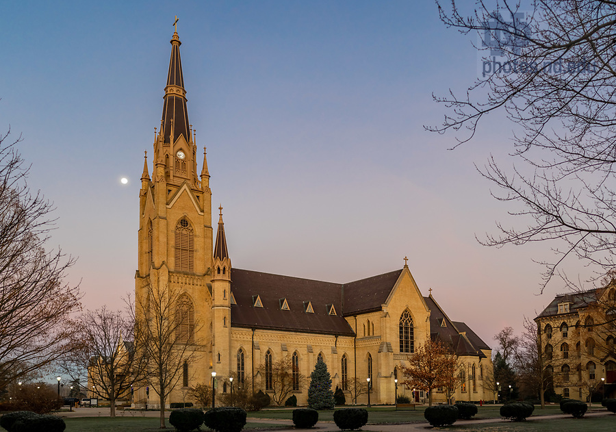 December 2, 2020; The moon sets behind the Basilica of the Sacred Heart (Photo by Matt Cashore/University of Notre Dame)