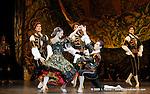 RAYMONDA..Choregraphie : PETIPA Marius,NOUREEV Rudolf.Compagnie : Ballet de l Opera National de Paris.Orchestre : Colone.Decor : GEORGIADIS Nicholas.Lumiere : PEYRAT Serge.Costumes : GEORGIADIS Nicholas.Avec :.GILBERT Dorothee:Henriette.MAGNENET Florian:Bernard.Lieu : Opera Garnier.Ville : Paris.Le : 30 11 2008.© Laurent PAILLIER / photosdedanse.com