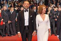 Vincent Cassel Nathalie Baye arrive sur le tapis rouge pour la projection du film 'Juste la fin du monde' lors du 69ème Festival du Film à Cannes le jeudi 19 mai 2016.