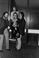 """""""Au vieux bardeau"""" - Dick Rivers<br /> ,le  22 septembre 1970<br /> <br /> Photographe : Jacques Thibault<br /> <br /> - Agence Quebec Presse"""