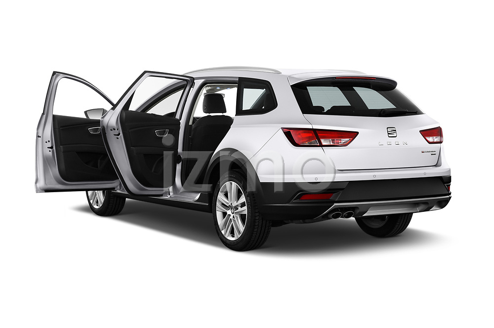 Car images close up view of a 2017 Seat Leon Xperience Base 5 Door Wagon doors