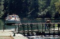Europe/France/Aquitaine/47/Lot-et-Garonne/Port de Buzet: Bords de la Baise - Passage de l'écluse