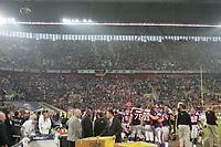 Fans der FRankfurt Galaxy feiern ihr Team mit Wunderkerzen