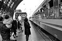 milano, stazione centrale. partenza di un treno --- milan, central station. train departure