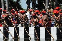 ZAMBIA Barotseland , Zambezi floodplain , Kuomboka ceremony in Limulunga, the Lozi king Lubosi Imwiko II. also called Litunga, change his lower land residence Lealui after raining time with the royal bark Nalikwanda  to his upper land palace in Limulunga / SAMBIA Barotseland , Flutebene des Zambezi Fluss , Kuomboka Fest in Limulunga, der Lozi Koenig, Litunga , Abfahrt der koeniglichen Barke Nalikwanda in seiner Residenz in Lealui