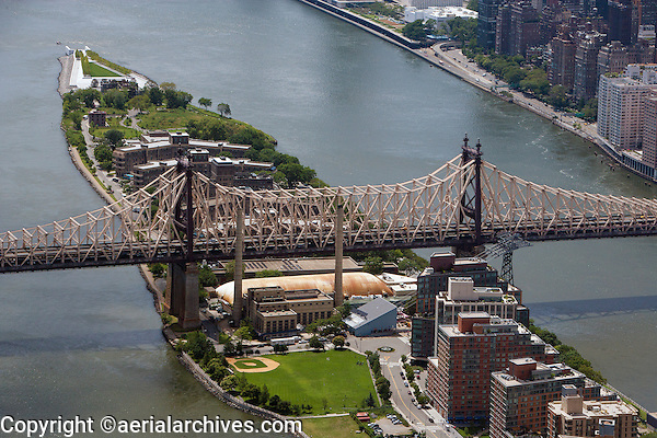 aerial photograph Queensboro Bridge, Roosevelt Island, East River Manhattan, New York City