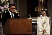 FILE - Ray Hnatyshin, Gouverneur-General du canada,aux funerailles de Jeanne Sauve, Janvier 1993, a la cathedrale Marie-Reine-du-Monde